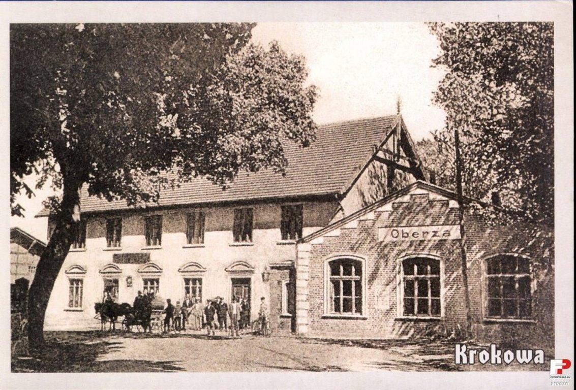 """Historyczne zdjęcie dawnej gospody wiejskiej """"Pod księciem Mestwinem"""" - obecnie siedziby Muzeum Regionalnego"""