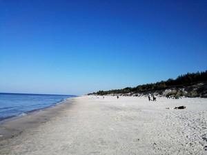 Spokój i cisza na plaży w kwietniu [300x225]