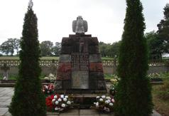 Pomnik Powstańców 1863 r. na cmentarzu rzymsko katolickim w Kołacinku.