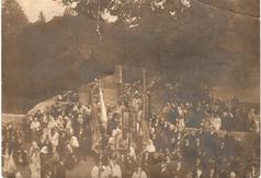 Pielgrzymka z Parafii Kołacinek do Sanktuarium Matki Boskiej Skoszewskiej w Skoszewach. Zdjęcie datowan
