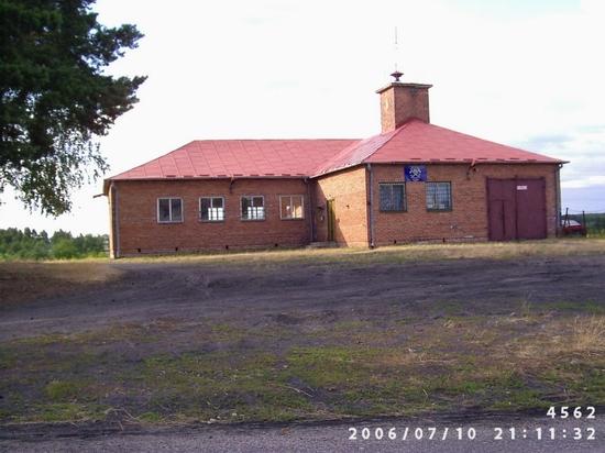 Budynek świetlicy wiejskiej w miejscowości Gózd przed rozbudową.