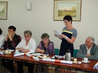 Radna Hanna Hinca, członek Komisji Rewizyjnej Rady Gminy Starogard Gd. odczytała pozytywne stanowi