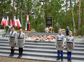 Zakończyły się obchody 80. rocznicy zbrodni niemieckiej w Lesie Szpęgawskim. Przy pomniku głównym o