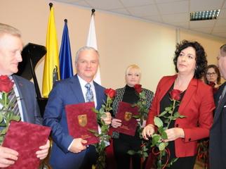 Wójt Magdalena Forc-Cherek i Sekretarz Gminy Tomasz Rogali wzięli udział 11.12.2019 w obchodach 20-lec