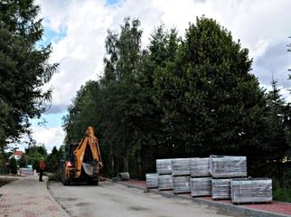 Zgodnie z harmonogramem przebiega przebudowa 6 dróg w Nowej Wsi Rzecznej. Za ponad 5 mln zł układ