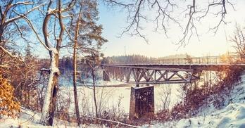 wiadukt kolejowy na jeziorze pilchowickim