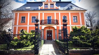 pałac książęcy, główne wejścieFot. P. Zatylny