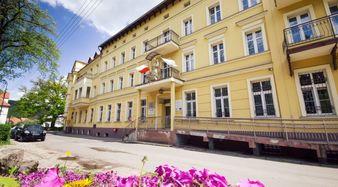 Sanatorium we Wleniu, wejście główneFot. P. Zatylny
