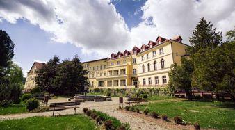 Sanatorium we Wleniu od strony parkuFot. P. Zatylny