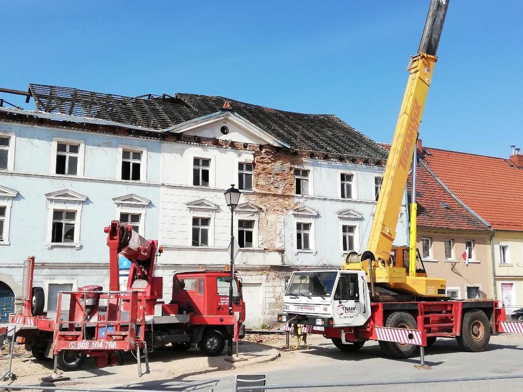 rozbiórka dachu (link otworzy duże zdjęcie)