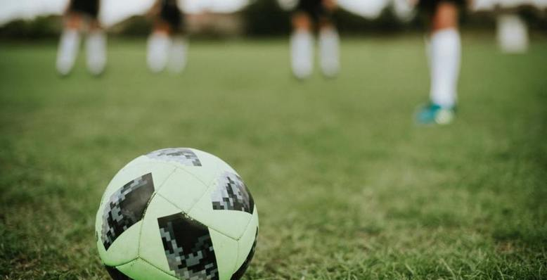 grafika piłka nożna