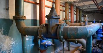 Infrastruktura techniczna w stacji uzdatniania wody we Wleniu (link otworzy duże zdjęcie)