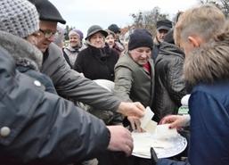 Węgorzewska Wigilia Miejska, 17 grudnia 2017 r. Na placu Wolności tradycyjnie mieszkańcy gminy Węgorz