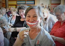 Śmiechoterapię bez recepty i konsultacji z lekarzem − kabareton w Miejsko-Gminnej Bibliotece Publiczn