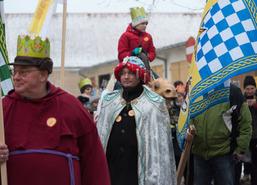 W święto Objawienia Pańskiego ulicami Węgorzewa przeszedł barwny i radosny Orszak Trzech Króli. Org