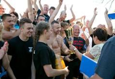 Wręczenie nagrody zwycięskiej drużynie