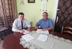 W piątek 7 czerwca br. w Urzędzie Gminy podpisano umowę z wykonawcą budowy wieży widokowej w Przytar