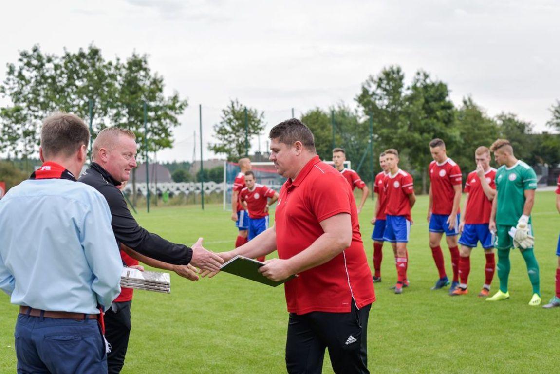 Podziękowania dla trenera Andrzeja Borowskiego. (link otworzy duże zdjęcie)