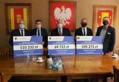 Na zdjęciu od lewej: starosta człuchowski Aleksander Gappa, wójt gminyKarsin Roman Brunke, burmistrz
