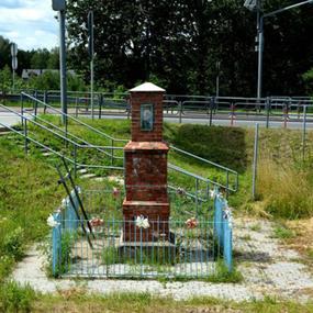 Kapliczka przy trasie na Słabomierzu