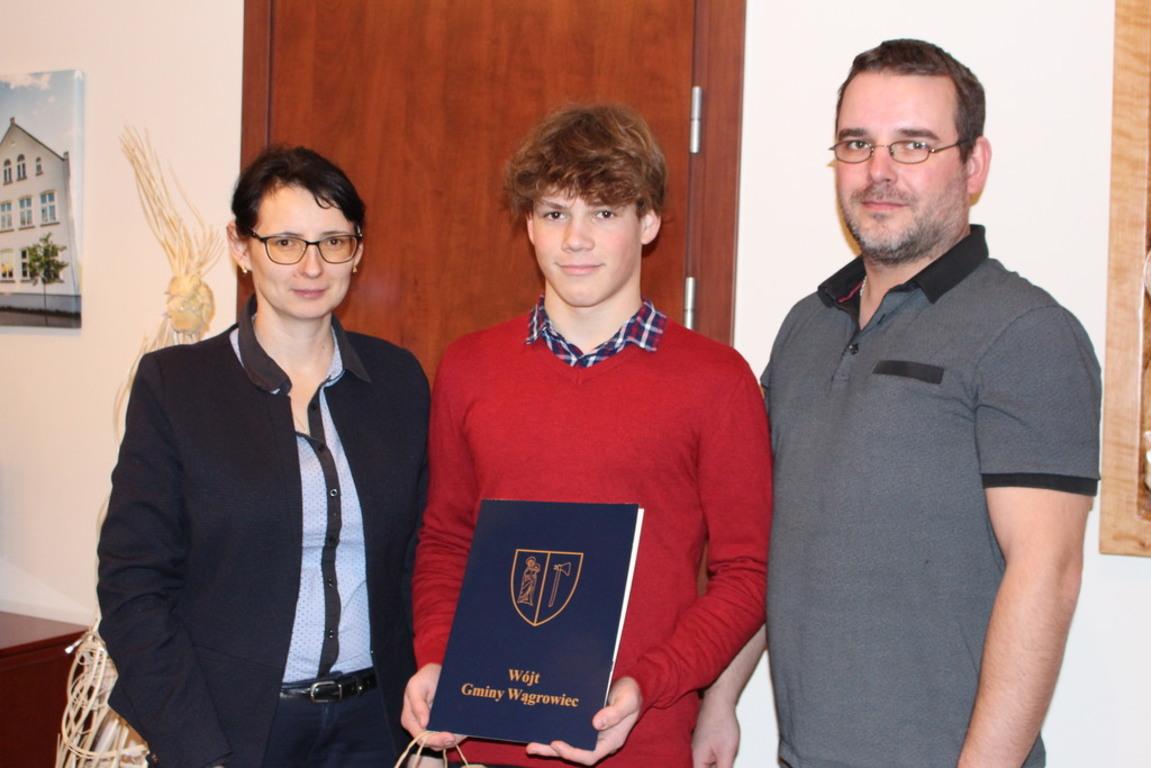 Stypendium sportowe dla Igora Szymańskiego (link otworzy duże zdjęcie)