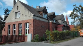 Budynek przedszkola w Otłoczynie przed termomodernizacją
