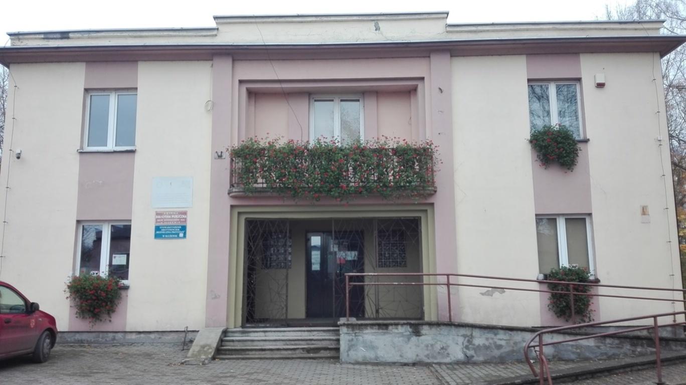 Budynek Gminnej Biblioteki Publicznej w Służewie