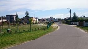 ul. Młodzieżowa w Odolionie przed ułożeniem chodnika