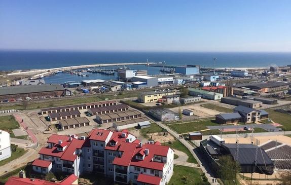 Widok z wieży na port rybacki