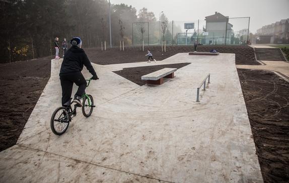 Mini skatepark na skwerze