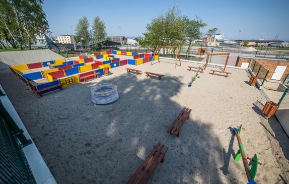 Plac zabaw przy estradzie