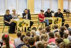 Akcja Dorośli czytają dzieciom w SP2 we Władysławowie