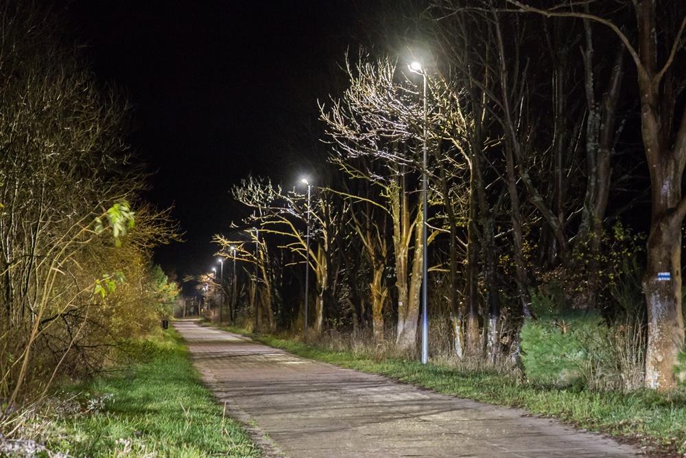 Nowe lampy LED przy ul. Obozowej w Ostrowie (link otworzy duże zdjęcie)