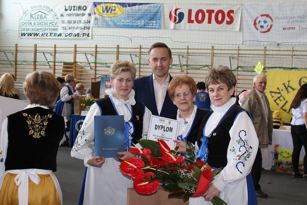Gospodynie z Władysławowa na wojewódzkim turnieju Kół Gospodyń Wiejskich w Luzinie (link otworzy du