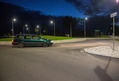 Nowe rondo we Władysławowie nocą