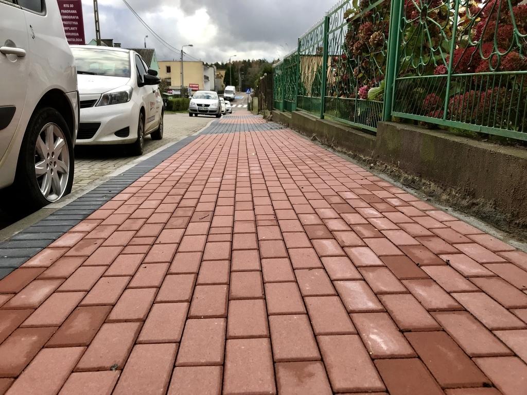 Nowy chodnik przy ul. Ogrodowej we Władysławowie (link otworzy duże zdjęcie)