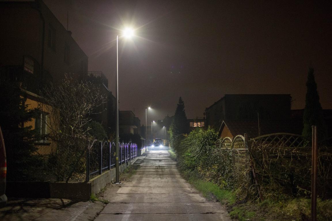 Oświetlenie typu LED na łączniku przy ul. Fl. Ceynowy we Władysławowie (link otworzy duże zdjęcie)