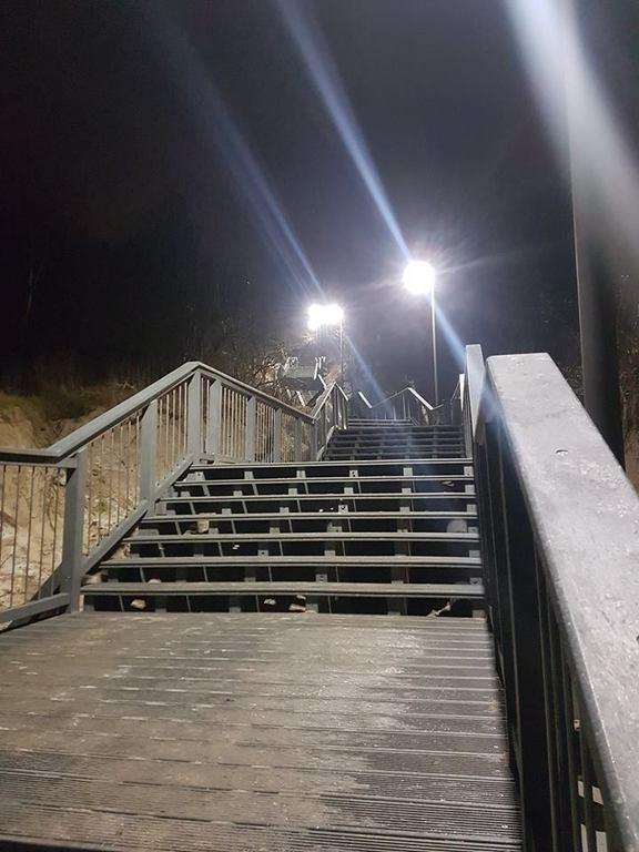 Wejście na plażę nr 14 w Chłapowie oświetliło UFO (link otworzy duże zdjęcie)