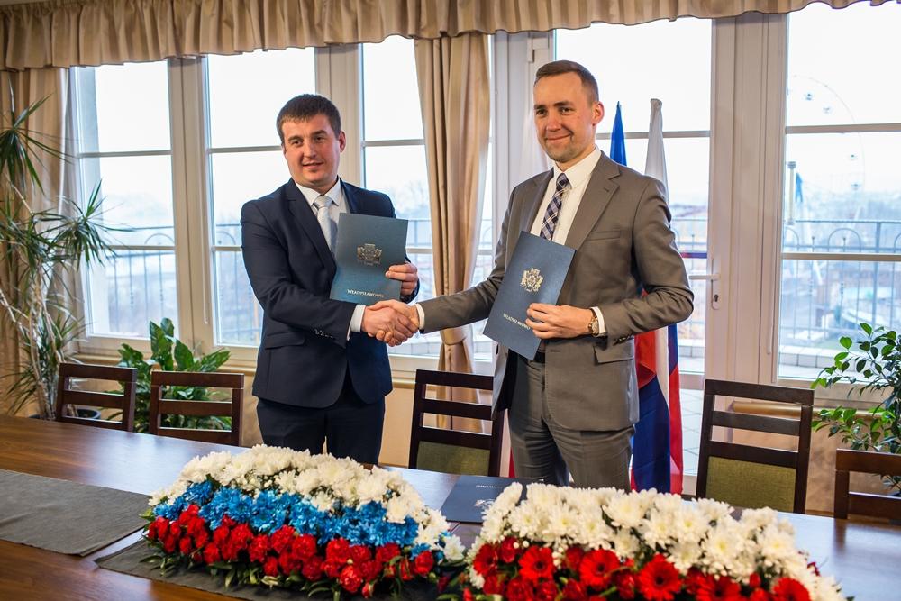 List intencyjny o współpracy Władysławowo-Gusiew (Rosja) podpisany (link otworzy duże zdjęcie)