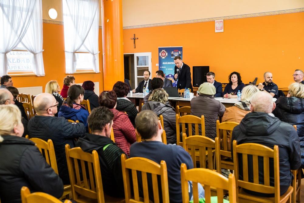 Zebranie z mieszkańcami sołectwa Chłapowo z 2017 roku (link otworzy duże zdjęcie)