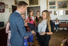 Burmistrz wręczył stypendia uczniom i studentom