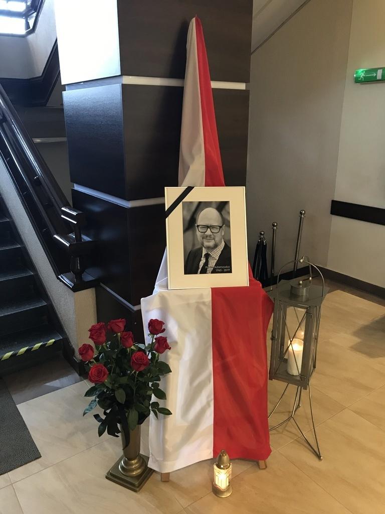 Uroczystości pogrzebowe Prezydenta Gdańska (link otworzy duże zdjęcie)