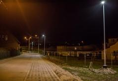 Szkolna i skwer w Tupadłach oświetlone