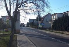 Ujęcie zabudowań z Władysławowa z 9 kwietnia 2019 roku