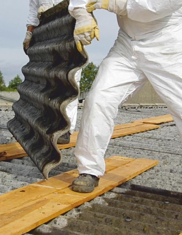 Usuwanie azbestu (link otworzy duże zdjęcie)