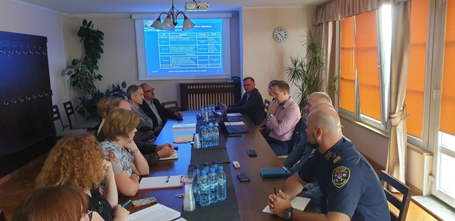 Posiedzenie Gminnego Zespołu Zarządzania Kryzysowego (GZZK) (link otworzy duże zdjęcie)