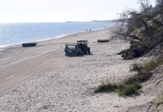 Maszyna do oczyszczania piasku na plaży