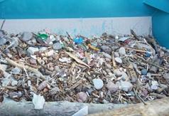 Oczyszczanie plaży we Władysławowie - zebrane odpady - 14 maja