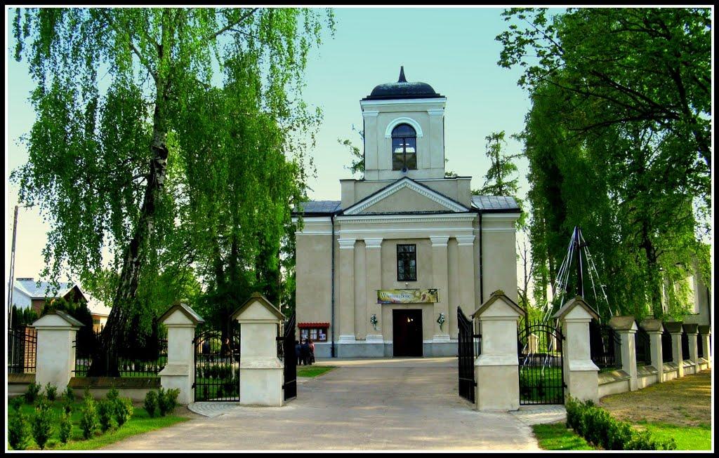 Zdjęcie przedstawia budynek kościoła pod wezwaniem Świętego Mikołaja w Zakrzówku [1024x653]