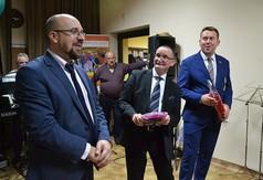 Na zdjęciu Dyrektor Gminny Ośrodek Kultury w Gościeradowie Roman Biss, Wójt Gminy Gościeradów Mariu